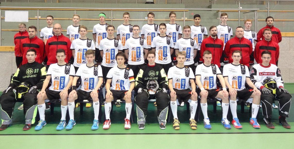 """Unsere 20 """"U 19er"""" für Helsingborg stehen"""